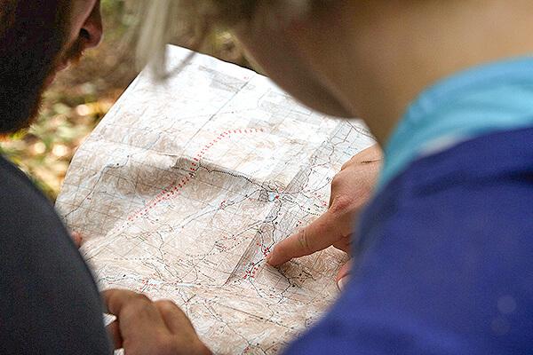 道に迷うことを意味する「I got lost」と「I am lost」の違い